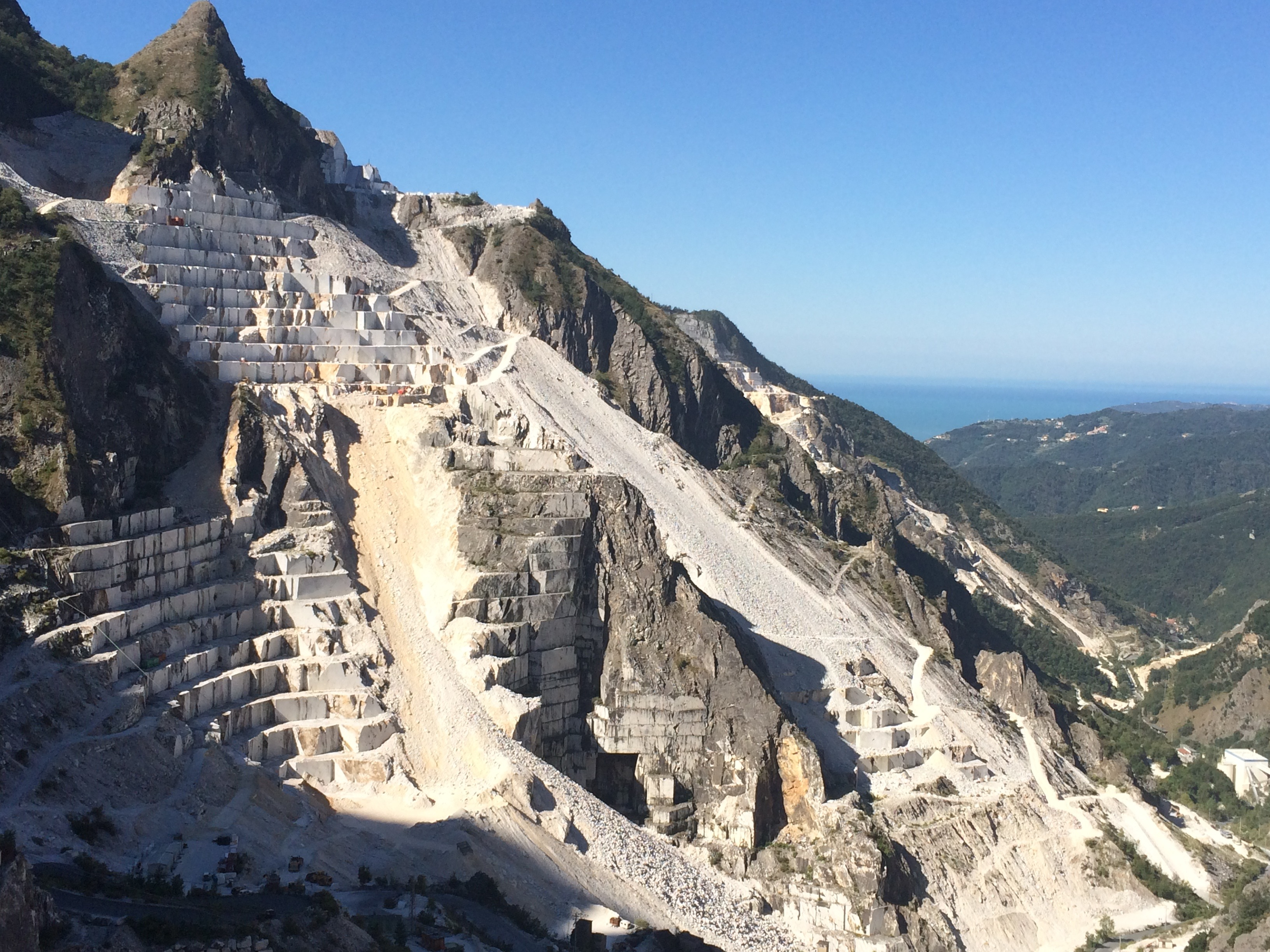 CARRARA MARBLE QUARRIES – Half day tour